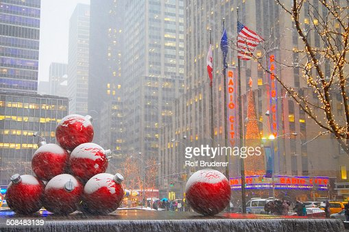 Rockefeller center stock photos and pictures getty images for When does new york start decorating for christmas