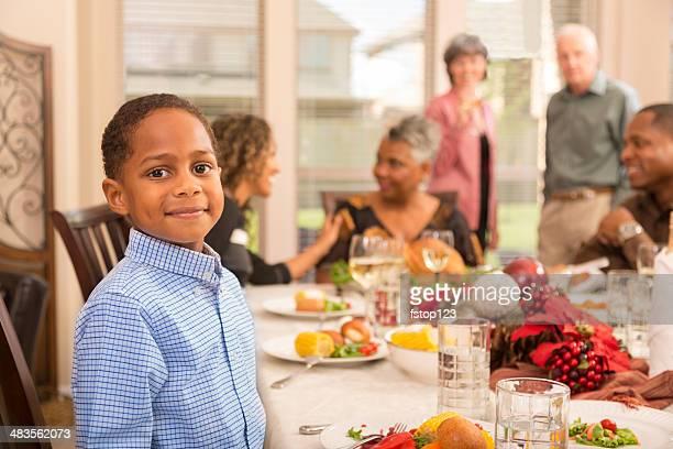 Navidad: Familia y amigos disfrutar de una cena en grandma la Asamblea.
