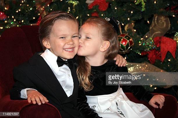 Christmas Kiss Giggles