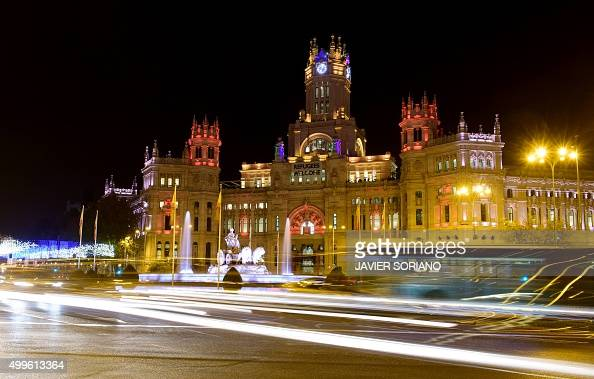 Christmas' lights illuminate City hall on Cibeles square in central Madrid on December 2 2015 AFP PHOTO / JAVIER SORIANO / AFP / JAVIER SORIANO