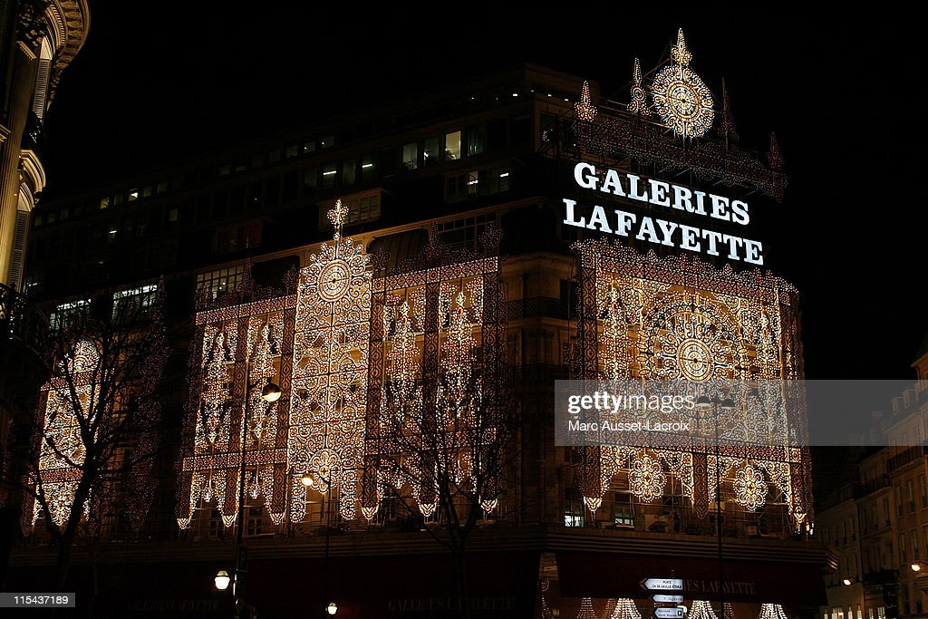 christmas lights of the galeries lafayette department store on boulevard haussmann on december 03 2007 - Christmas Light Store