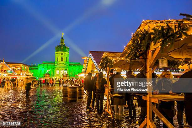 Christmas market at Schloss Charlottenburg, on the background the Alte Schloss (Old Castle)