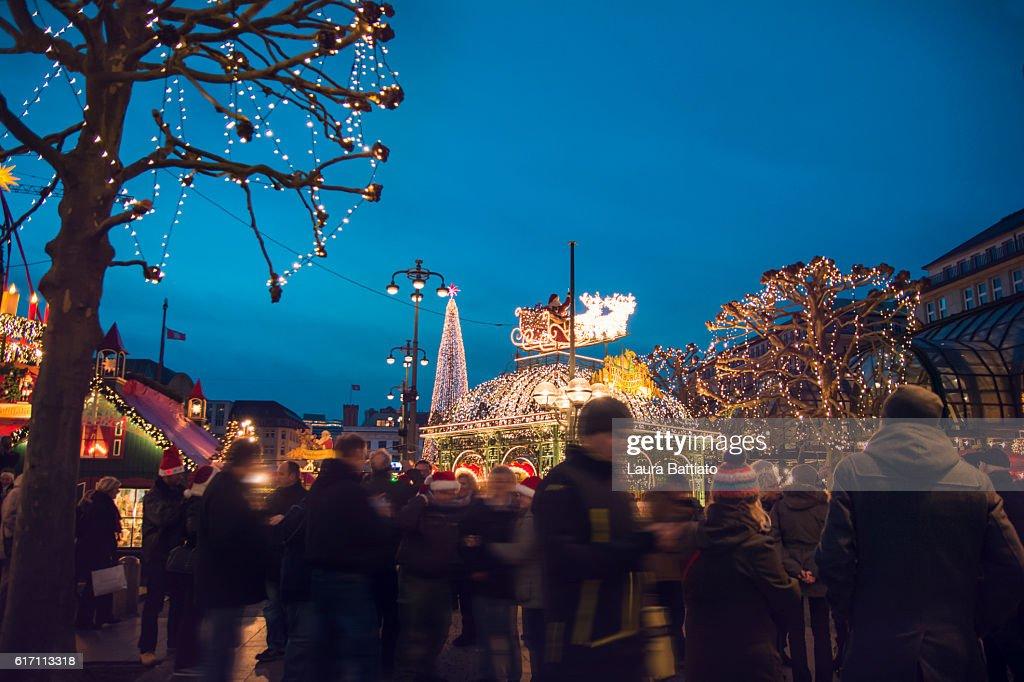 Christmas market at the Hamburg Rathaus Markt : Stock Photo