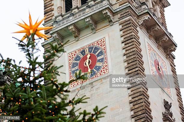 Weihnachtsmarkt das Rathaus von Hamburg