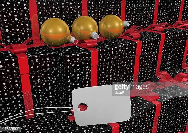 クリスマスプレゼントにリボンとタグ