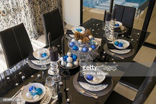 Weihnachten Tischdekoration In Weiss Blau Silber Und Schwarzfarben