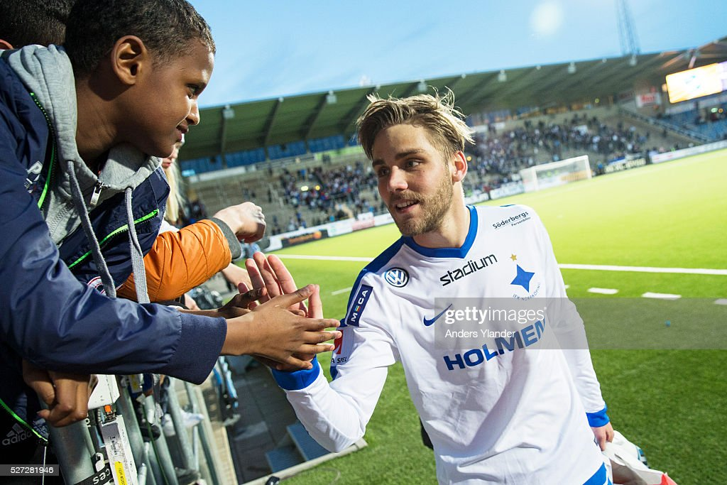 Christoffer Nyman of IFK Norrkoping celebrates the victory with fans after the Allsvenskan match between IFK Norrkoping and Helsingborgs IF at Ostgotaporten on May 2, 2016 in Norrkoping, Sweden.
