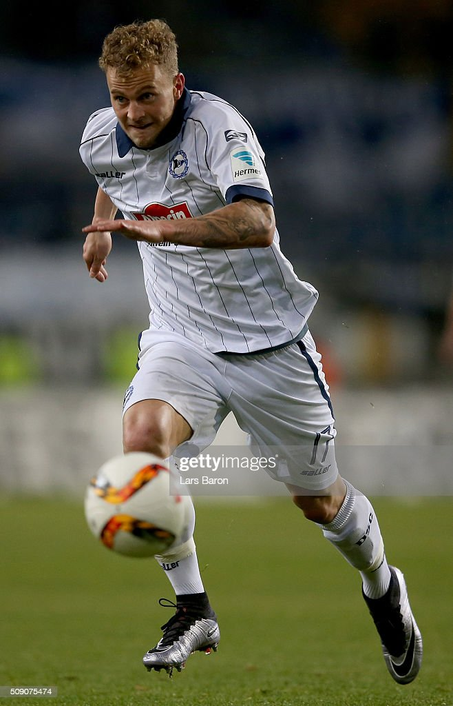 Christoph Hemlein of Bielefeld runs with the ball during the Second Bundesliga match between Arminia Bielefeld and MSV Duisburg at Schueco Arena on February 8, 2016 in Bielefeld, Germany.