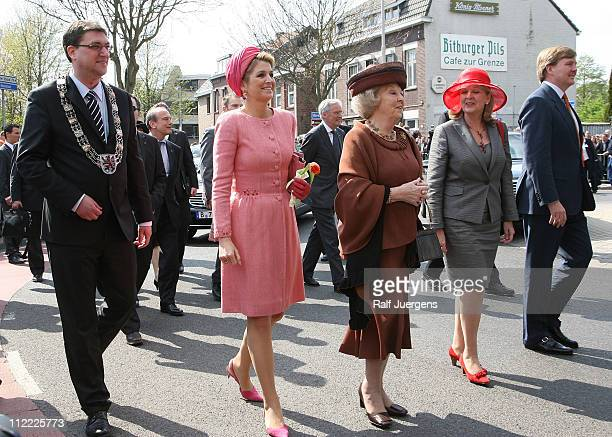 Christoph von den Driesch mayor of Herzogenrath Princess Maxima Queen Beatrix of the Netherlands Govenor of the German state of NothrheinWestphalia...