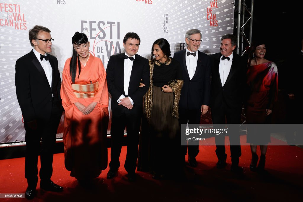 Christoph Waltz Naomi Kawase Cristian Mungiu Vidya Balan Steven Spielberg Daniel Auteuil and Lynne Ramsay attend the Palme D'Or Winners dinner during...