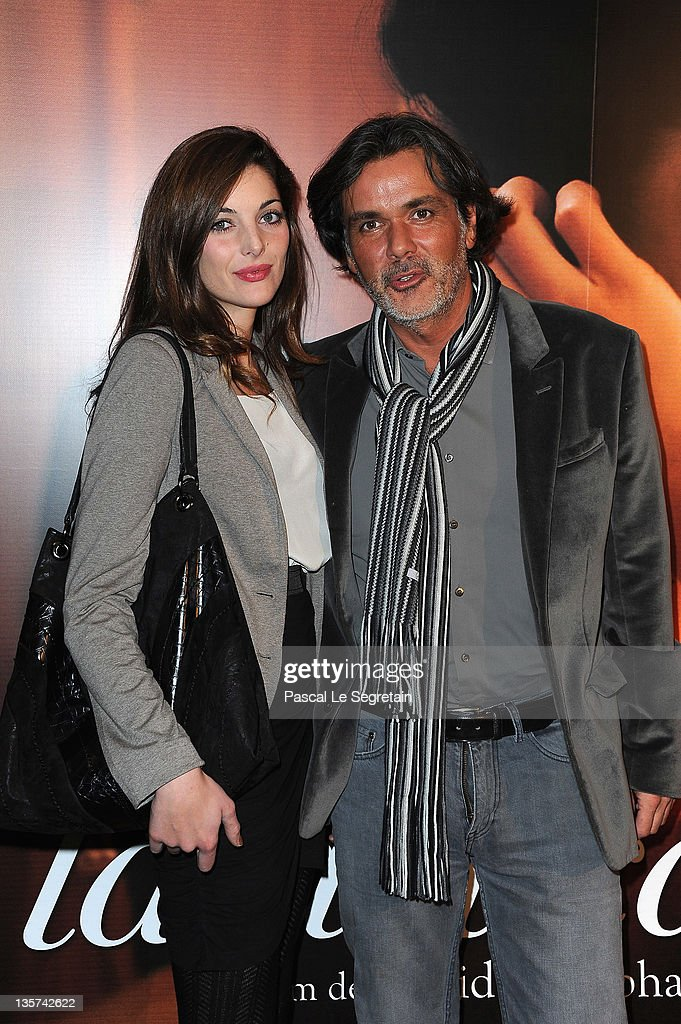 Christophe Barratier and girlfriend attend 'La Delicatesse' Paris Premiere on December 13 2011 in Paris France