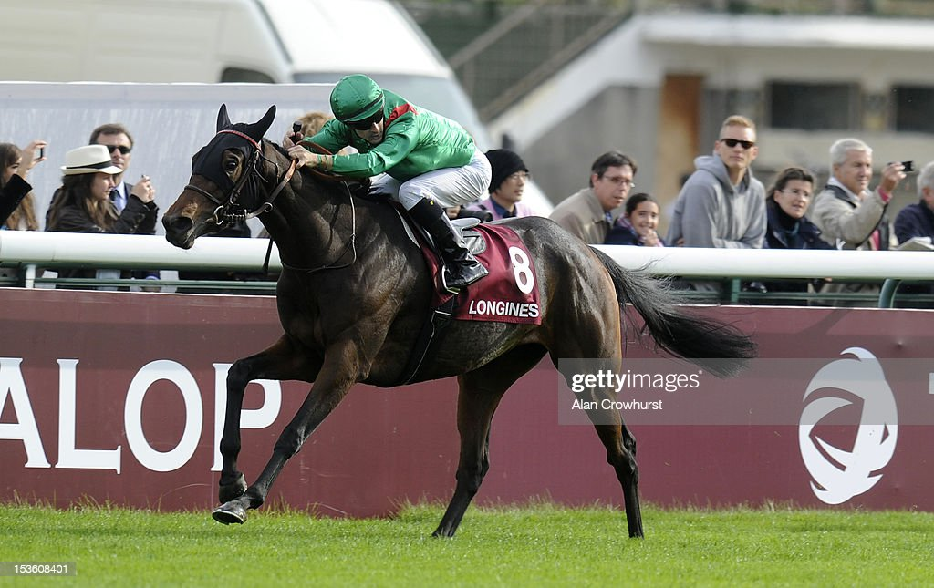 <a gi-track='captionPersonalityLinkClicked' href=/galleries/search?phrase=Christophe+Lemaire+-+Jockey&family=editorial&specificpeople=729081 ng-click='$event.stopPropagation()'>Christophe Lemaire</a> riding Ridasiyna win The Prix de L'Opera Longines at Longchamp racecourse on October 07, 2012 in Paris, France.