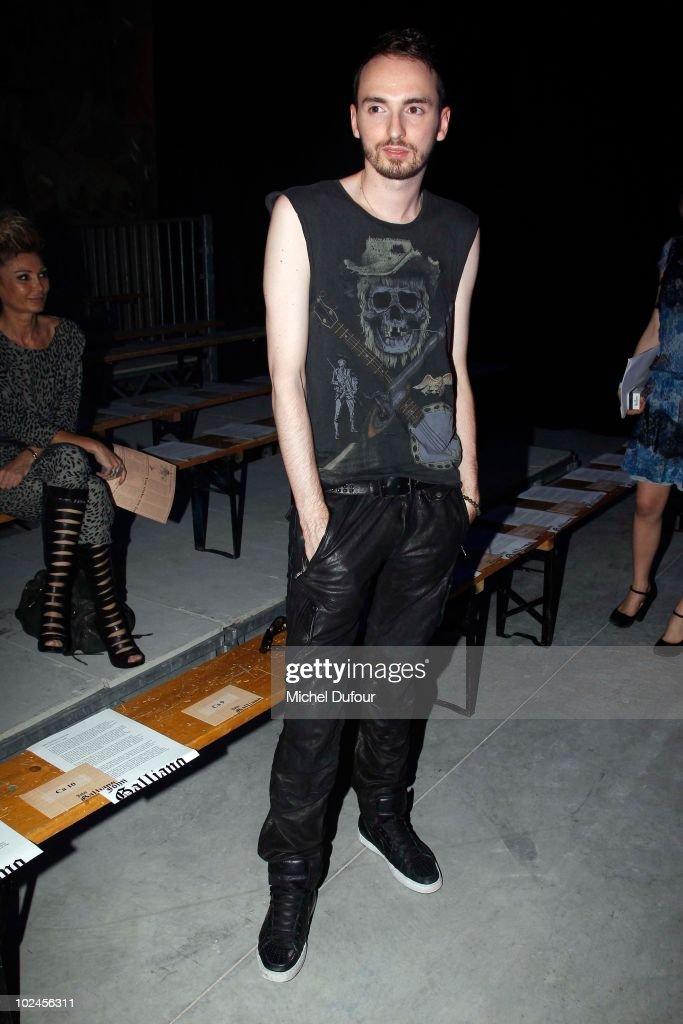 John Galliano: Paris Fashion Week Menswear S/S 2011