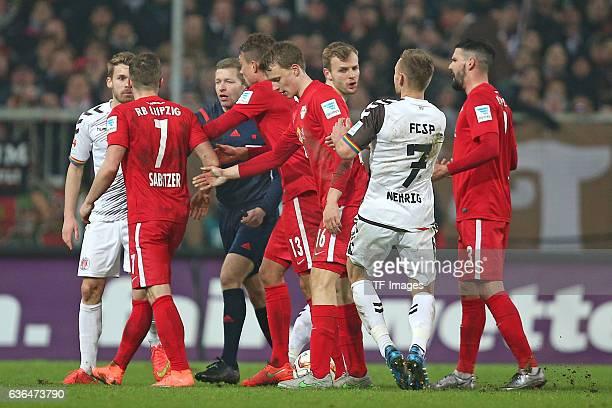 Christopher Buchtmann of St Pauli Marcel Sabitzer of RB Leipzig Referee Tobias Welz Stefan Ilsanker of RB Leipzig Lukas Klostermann of RB Leipzig...
