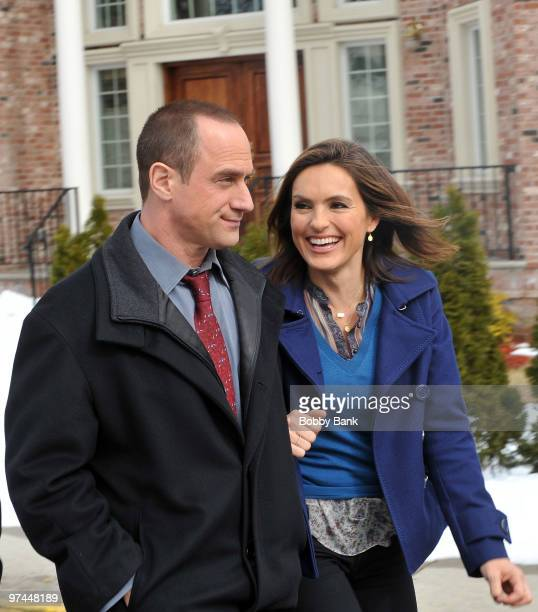 Christopher Meloni and Mariska Hargitay on location for 'Law Order SVU' on the streets of Fort Lee NJ on March 4 2010 in Fort Lee City