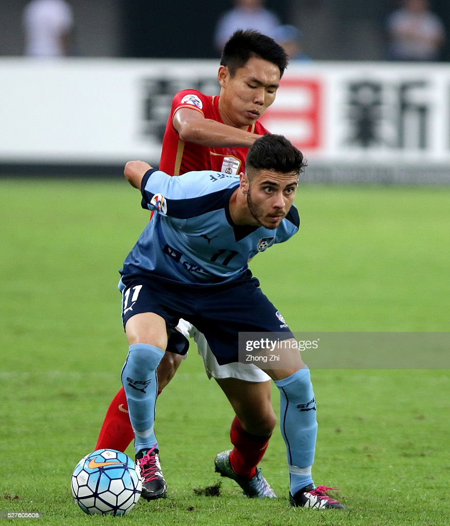 Christopher Naumoff of Sydney FC in action against Wang Shangyuan of Guangzhou Evergrande during the AFC Asian Champions League match between Guangzhou Evergrande FC and Sydney FC at Tianhe Stadium on May 3, 2016 in Guangzhou, China.