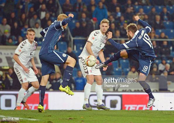 Christopher Noethe of Bielefeld misses to score during the Second Bundesliga match between Arminia Bielefeld and FC St Pauli at Schueco Arena on...