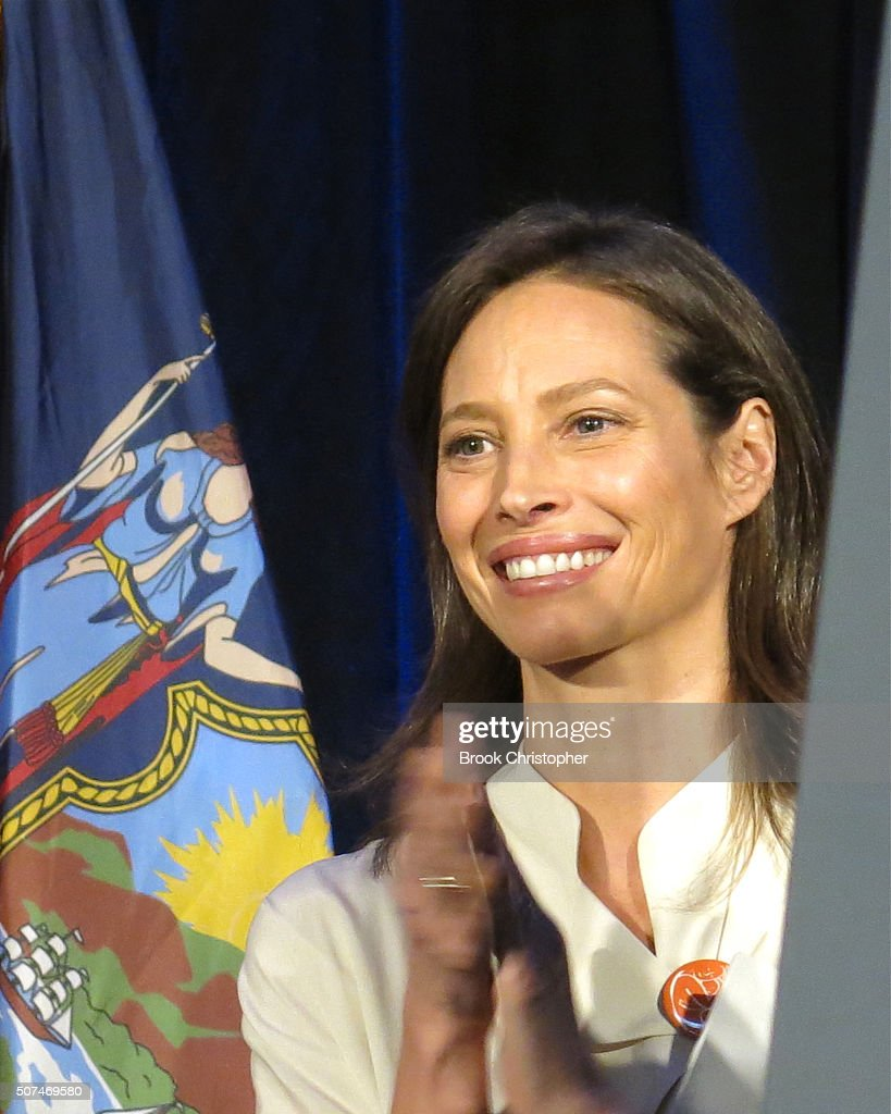 Christy Turlington attends a rally for paid family leave as well as U.S. Vice President Joe Biden and NY Governor Andrew Cuomo who also delivered remarks on the economy on January 29, 2016 in New York City.