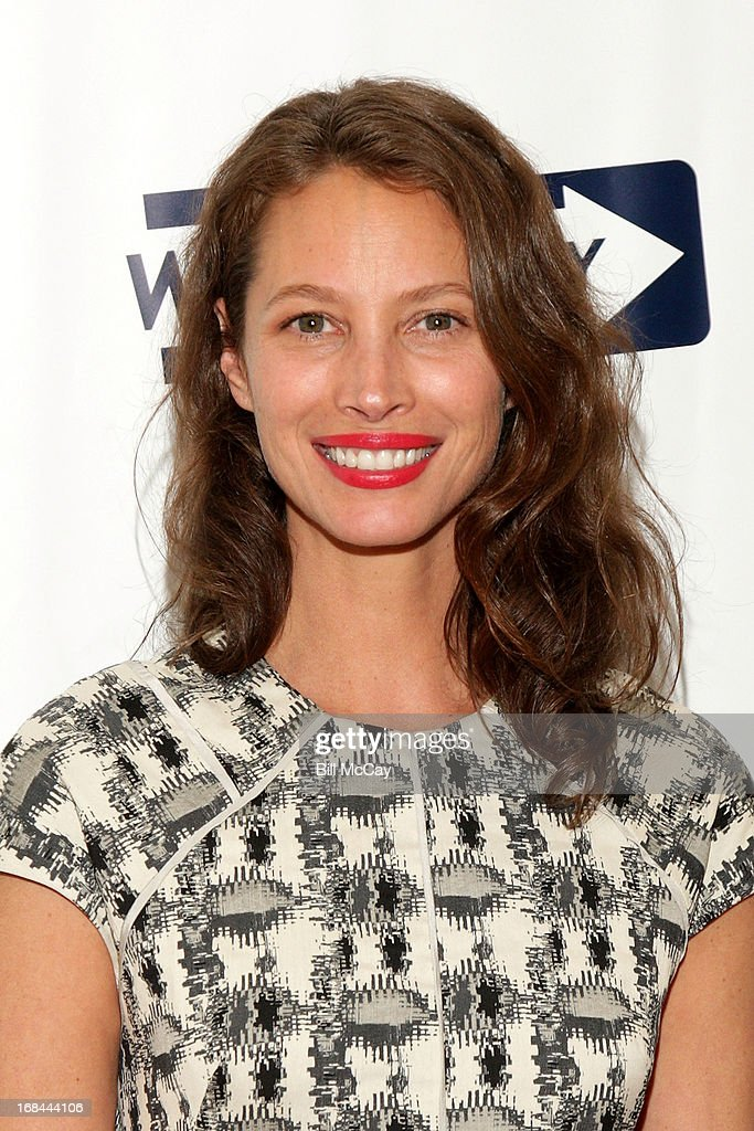 Christy Turlington Burns, recipient of 'The Lucretia Mott Award' poses at The 36th Annual WOMEN'S WAY Powerful Voice Awards Dinner at the Sheraton Philadelphia Downtown Hotel on May 9, 2013 in Philadelphia, Pennsylvania.
