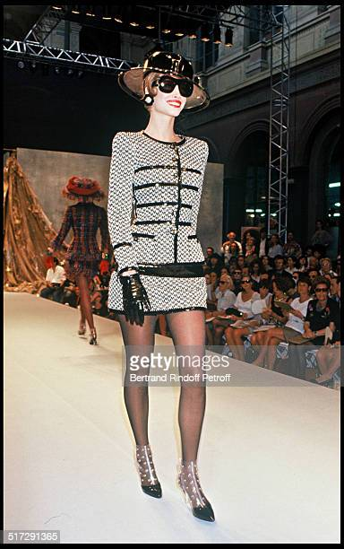 Christy Turlington Chanel Haute Couture fashion show fall winter 19921993 collection in Paris
