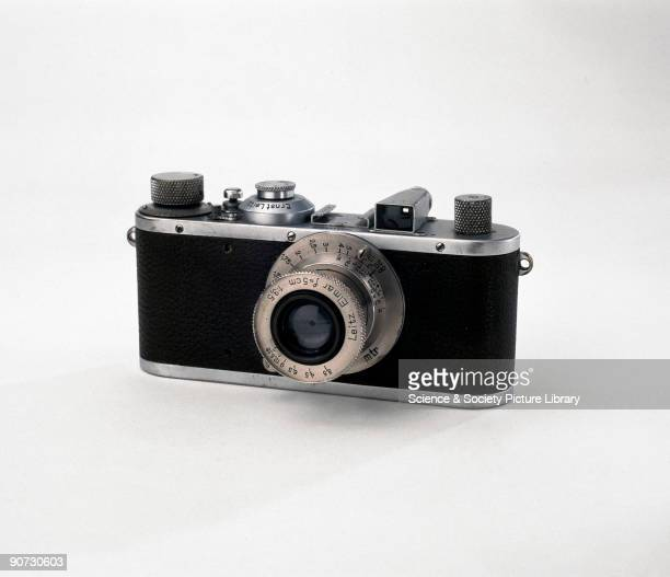 A chrome finish Leica Standard for screw mount interchangeable lenses This camera has a pullout rewind knob shutter speeds from 1/20 to 1/500 of a...