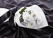 Chrysanthemum bouquet (mourning image)