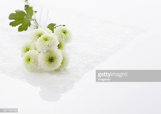Chrysanthemum flower arrangement (mourning image)