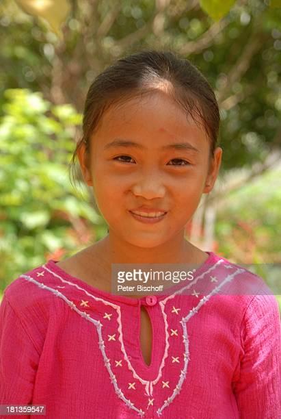 Chu Thi Yen Porträt 'Gesundheitszentrum' Tien Luc Vietnam Asien rosa Anzug ist Geschenk von ML M a r j a n Kind vietnamesisches Mädchen nReise