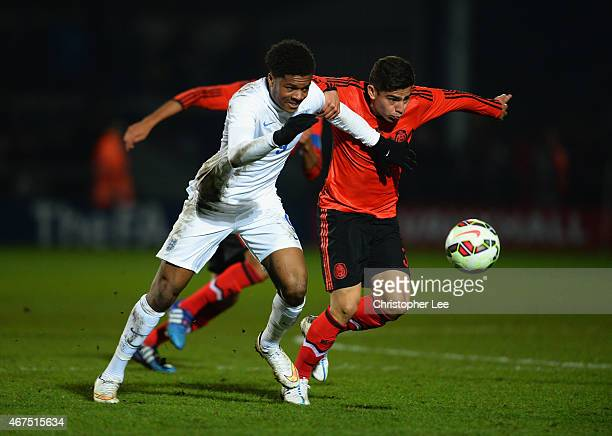 Chuba Akpom of England battles with Oscar Antonio Bernal Lopez of Mexico during the U20 International Friendly match between England and Mexico at...