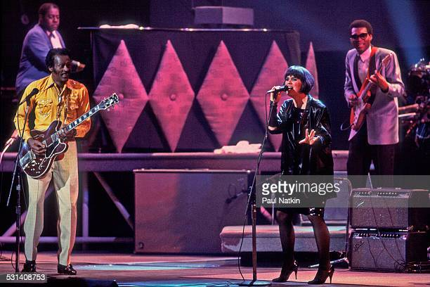 Chuck Berry and Linda Ronstadt during the filming of the movie 'Hail Hail Rock and Roll' at the Fox Theater St Louis Missouri October 16 1986