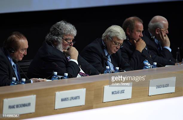 Chuck Blazer and fellow FIFA members watch on during the 61st FIFA Congress at Hallenstadion on June 1 2011 in Zurich Switzerland