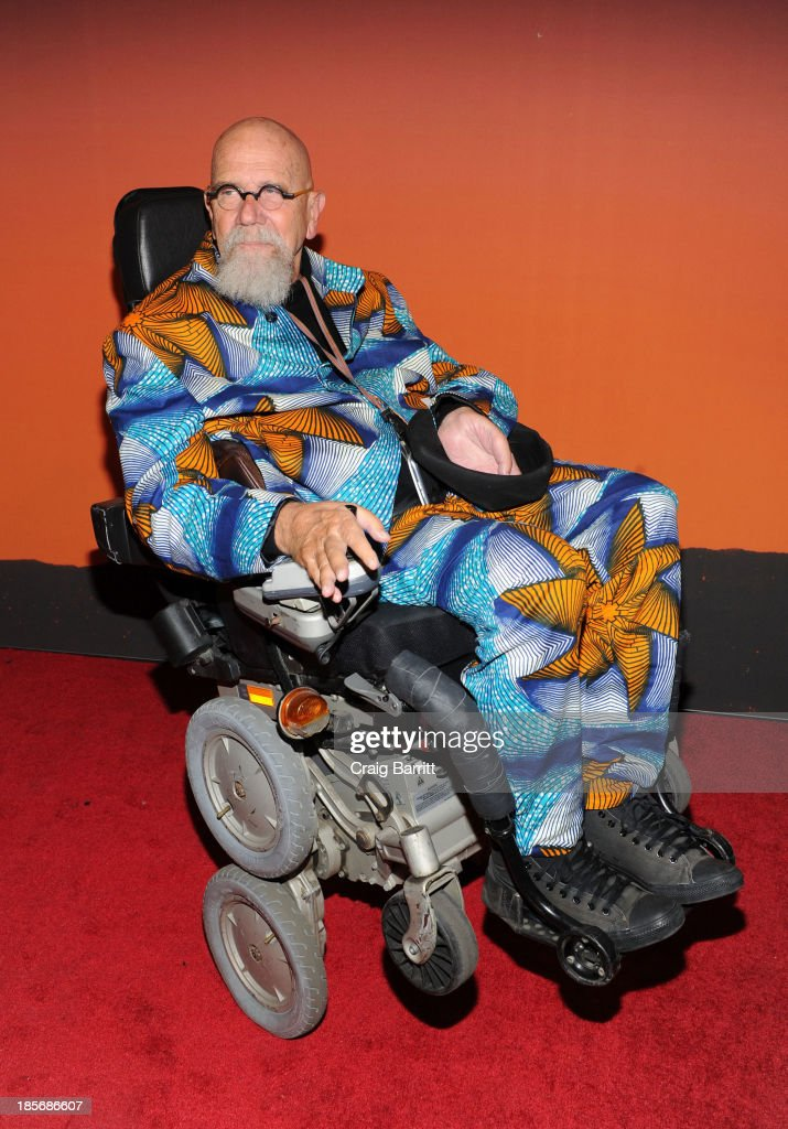<a gi-track='captionPersonalityLinkClicked' href=/galleries/search?phrase=Chuck+Close&family=editorial&specificpeople=234797 ng-click='$event.stopPropagation()'>Chuck Close</a> arrives at the 2013 Whitney Gala And Studio Party at Skylight at Moynihan Station on October 23, 2013 in New York City.