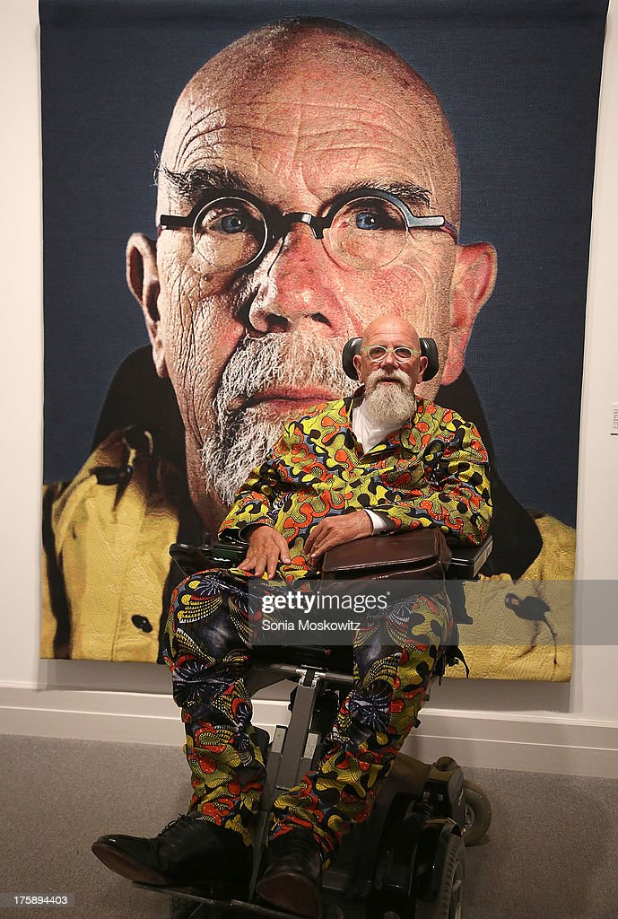 <a gi-track='captionPersonalityLinkClicked' href=/galleries/search?phrase=Chuck+Close&family=editorial&specificpeople=234797 ng-click='$event.stopPropagation()'>Chuck Close</a> attends 2013 Guild Hall Summer Gala at Guild Hall on August 9, 2013 in East Hampton, New York.