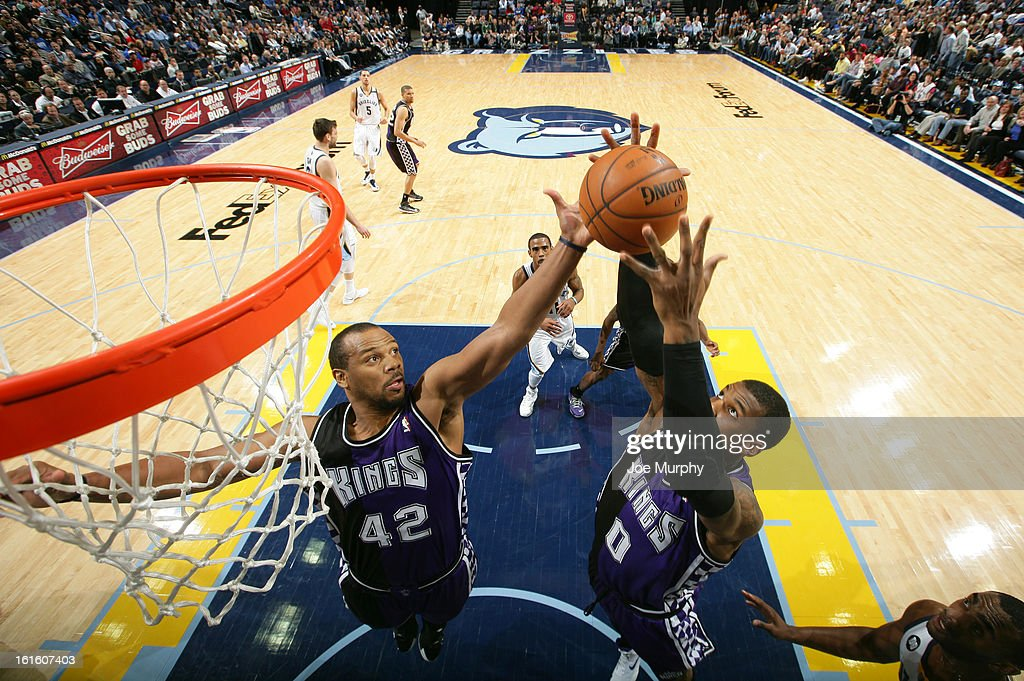 <a gi-track='captionPersonalityLinkClicked' href=/galleries/search?phrase=Chuck+Hayes&family=editorial&specificpeople=206129 ng-click='$event.stopPropagation()'>Chuck Hayes</a> #42 and Thomas Robinson #0 of the Sacramento Kings rebound against the Memphis Grizzlies on February 12, 2013 at FedExForum in Memphis, Tennessee.