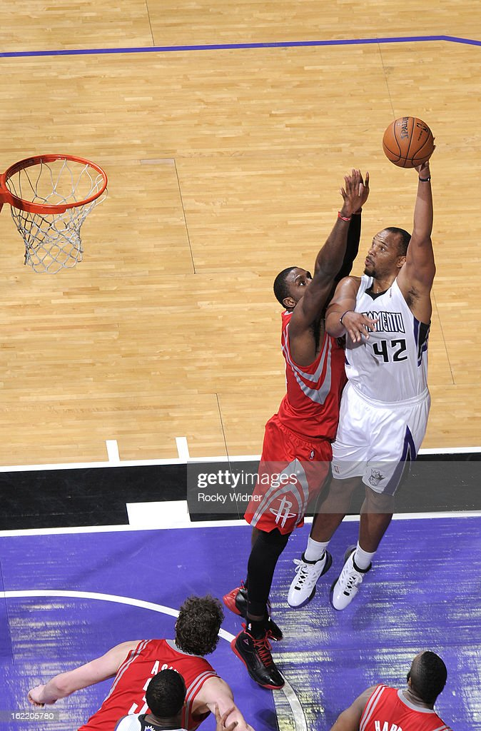 <a gi-track='captionPersonalityLinkClicked' href=/galleries/search?phrase=Chuck+Hayes&family=editorial&specificpeople=206129 ng-click='$event.stopPropagation()'>Chuck Hayes</a> #42 of the Sacramento Kings shoots against <a gi-track='captionPersonalityLinkClicked' href=/galleries/search?phrase=Patrick+Patterson&family=editorial&specificpeople=2928099 ng-click='$event.stopPropagation()'>Patrick Patterson</a> #54 of the Houston Rockets on February 10, 2013 at Sleep Train Arena in Sacramento, California.