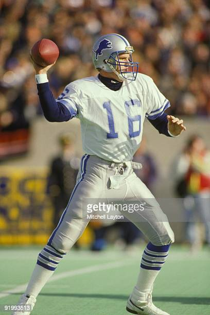 Chuck Long of the Detroit Lions throws a pass during a NFL football game against the Chicago Bears on November 22 1987 at Soldier Field in Chicago...