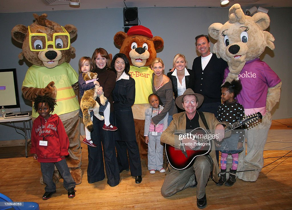 Chuga, Molly Ringwald, Vivian Lee, Traveling Bear T-Bear, Beth Ehlers, Laura Bell Bundy, creator Christian Hainsworth, Mookie and (bottom) dvd vocalist Lloyd Maybrey attend the 'Traveling Bears' Books Series Debut at The Children's Museum of Manhattan on November 29, 2007 in New York City.