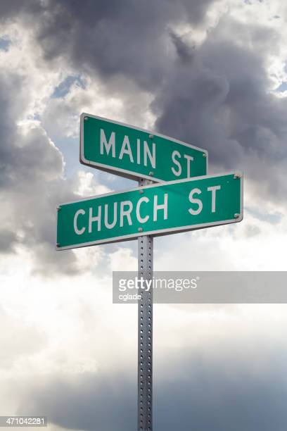 Igreja e Rua Principal