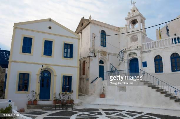 Church of Eisodion tis Theotokou (Presentation of Virgin Mary) and cafe on Porta, the main square of Nikia.