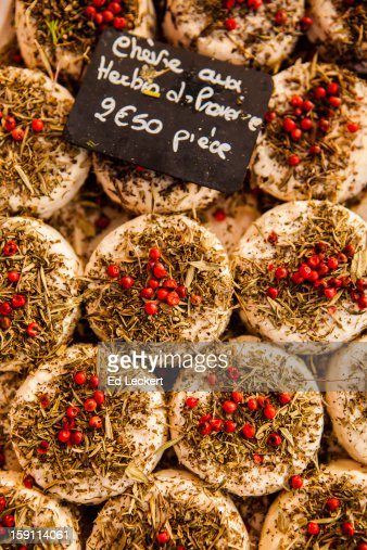 Chèvre aux Herbes de Provence : Stock Photo