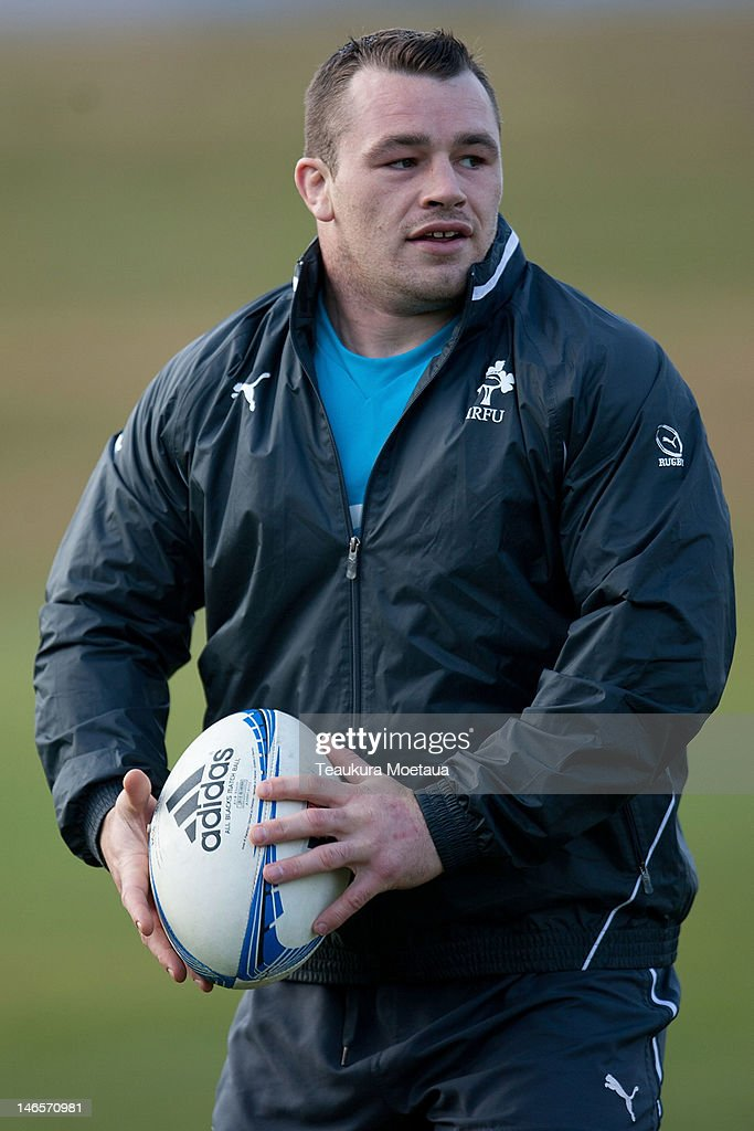 <a gi-track='captionPersonalityLinkClicked' href=/galleries/search?phrase=Cian+Healy&family=editorial&specificpeople=4166531 ng-click='$event.stopPropagation()'>Cian Healy</a> looks to pass during an Ireland rugby training session on June 20, 2012 in Queenstown, New Zealand.