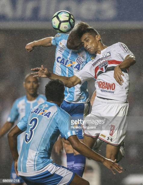 Cicero of Sao Paulo battles for the ball with Fagner Alemao of Avai during a match between Sao Paulo and Avai as a part of Campeonato Brasileiro 2017...