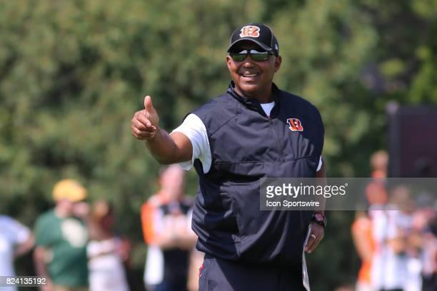 Cincinnati Bengals head coach Marvin Lewis gives a thumbs up during Cincinnati Bengals training camp practice on July 28th in Cincinnati OH