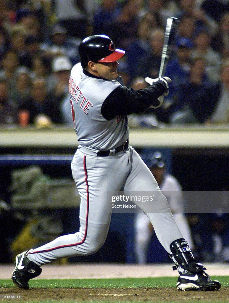 Cincinnati Reds right fielder Dante Bichette hits a game-winnning 2 RBI double during the seventh inning of the 24 May 2000 game between the Dodgers and Reds at Dodgers Stadium in Los Angeles. The Reds beat the Dodgers by a final of 10-3. (ELECTRONIC IMAGE) AFP PHOTO Scott NELSON
