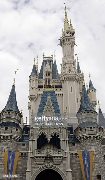 Cinderella's Castle at Walt Disney World 25 January 2007 in Lake Buena Vista Florida Each night a ramdomly selected guest will be picked to stay in...