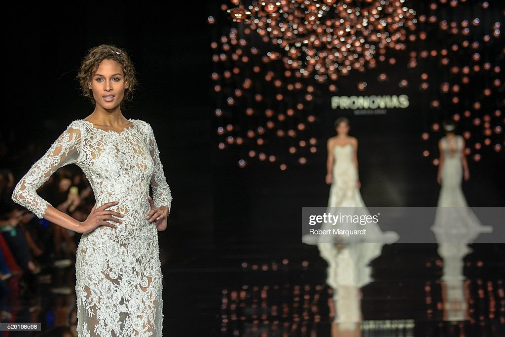 <a gi-track='captionPersonalityLinkClicked' href=/galleries/search?phrase=Cindy+Bruna&family=editorial&specificpeople=11366881 ng-click='$event.stopPropagation()'>Cindy Bruna</a> (L) walks the runway for the latest collection by Pronovias 2017 on April 29, 2016 in Barcelona, Spain.