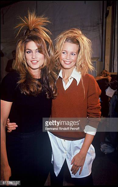 Cindy Crawford and Claudia Schiffer Backstage fashion show spring summer 1994 collection in Paris