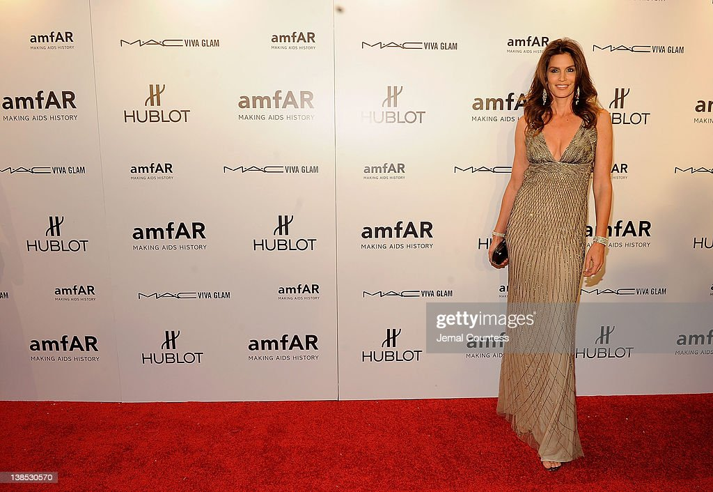 Cindy Crawford attends the amfAR New York Gala To Kick Off Fall 2012 Fashion Week at Cipriani Wall Street on February 8, 2012 in New York City.