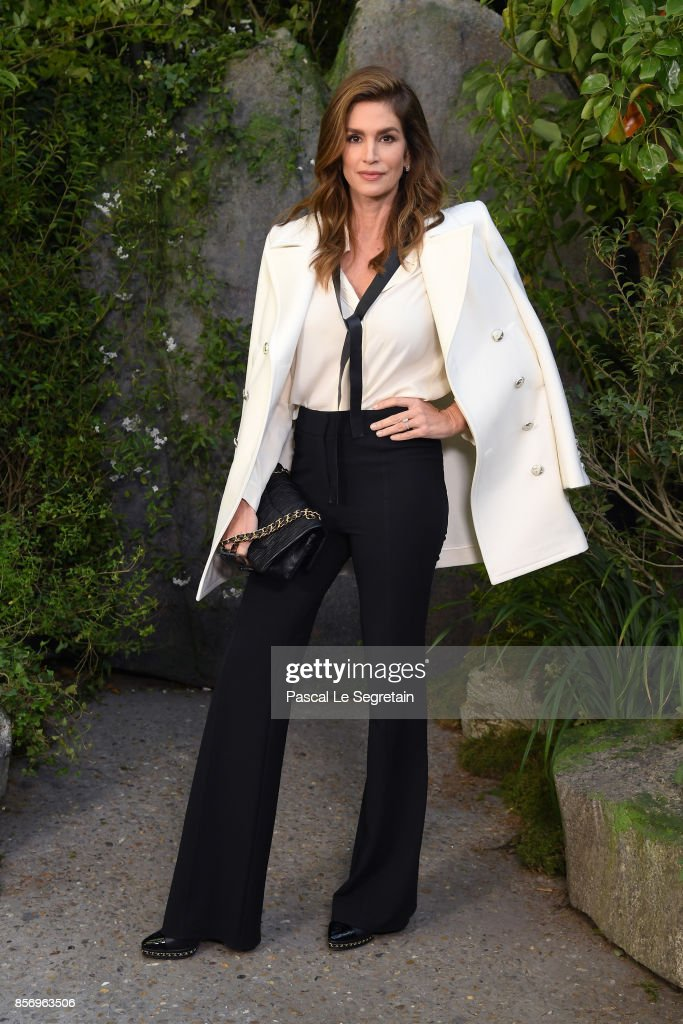 Chanel : Photocall - Paris Fashion Week Womenswear Spring/Summer 2018