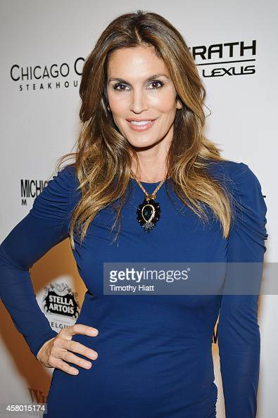 Cindy Crawford attends the Michigan Avenue November 2014 Issue Celebration at Chicago Cut Steakhouse on October 28 2014 in Chicago Illinois